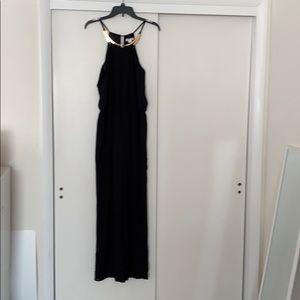 Loveriche black jumper with neck piece